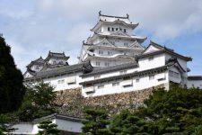 カード支払い導入予定の姫路城の成功事例から見るインバウンド戦略